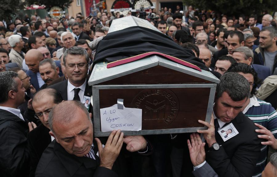 Pogrzeb ofiar zamachu w Ankarze