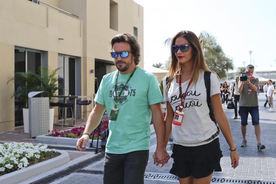 Oto piękna dziewczyna Fernando Alonso