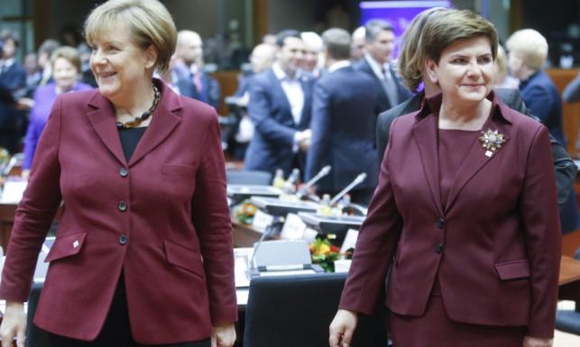 Wpadka, czy jedność dusz...? Szydło i Merkel jak modowe klony