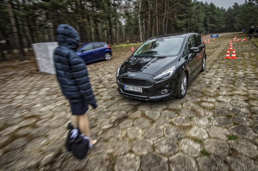 Ford galaxy i s-max - najbezpieczniejsze rodzinne vany 2015 wg Euro NCAP