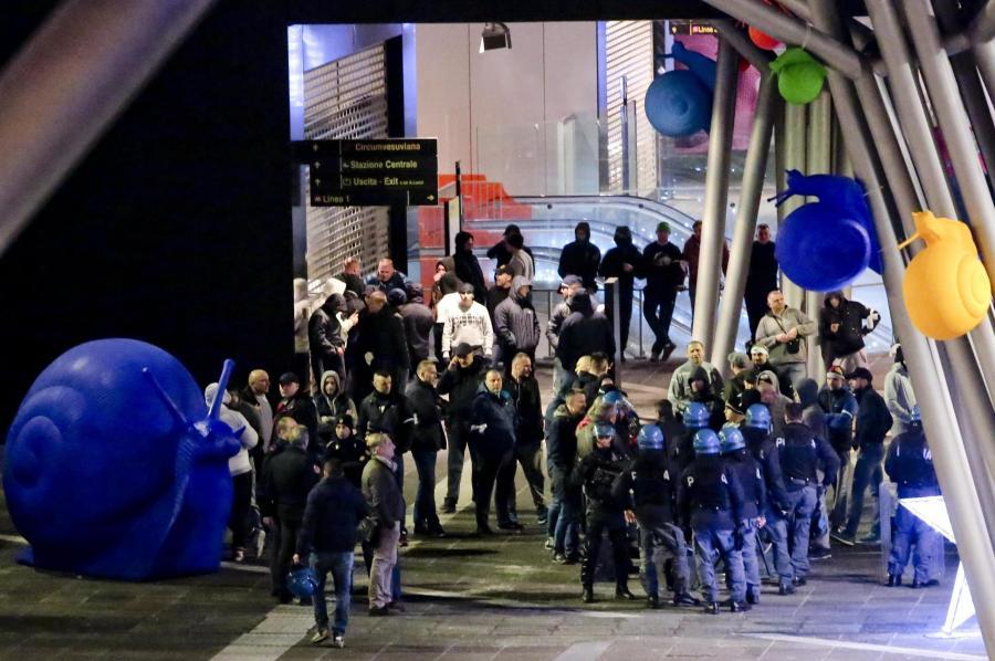 Policja kontroluje kibiców Legii
