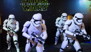"""Kolejne """"Gwiezdne wojny"""" w grudniu 2017 i 2018 roku"""