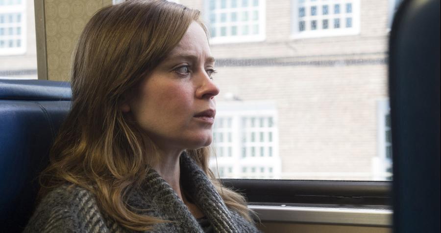 Emily Blunt dziewczyną w pociągu