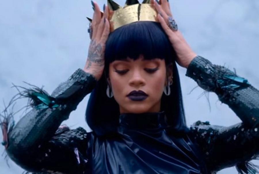 Rihanna niespodziewanie wydała nowy album