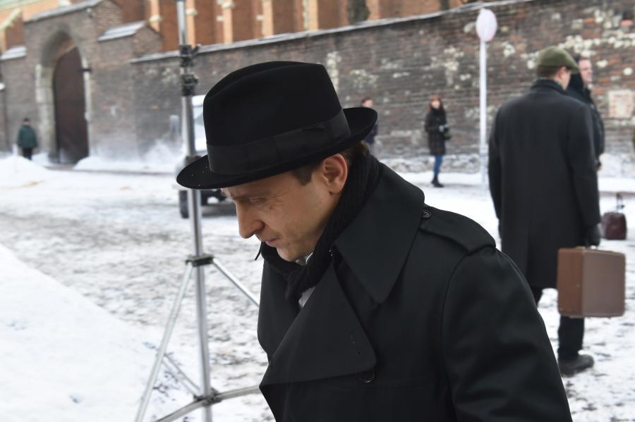 """Borys Szyc na planie filmu """"Nigdy tu już nie powrócę"""""""