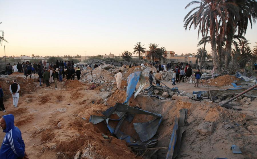 Zniszczzony obóz Państwa Islamskiego w Libii