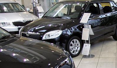 Polacy oszleli na punkcie nowych samochodów