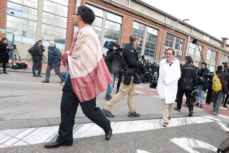 Ludzie ewakuowani z lotniska