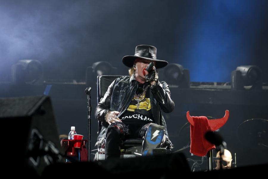 Axl Rose po raz pierwszy zaśpiewał z AC/DC