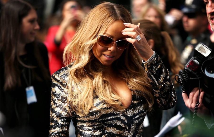"""Mariah Carey na scenie, podczas prób, za kulisami, z fanami w """"Mariah's World"""""""