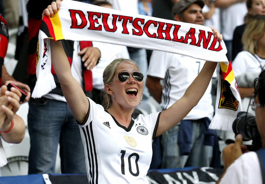 Futbolowa gorączka ogarnęła nie tylko mężczyzn. Zobacz fanki Euro 2016