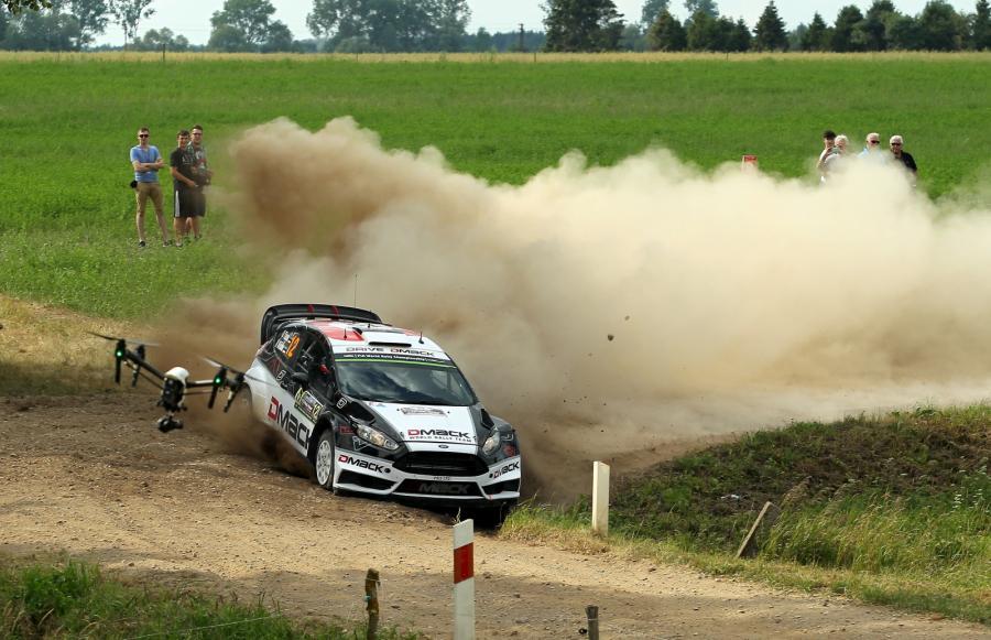 Estończycy Ott Tanak i Raigo Molder (Ford Fiesta RS WRC) na trasie 73. samochodowego Rajdu Polski w Wieliczkach