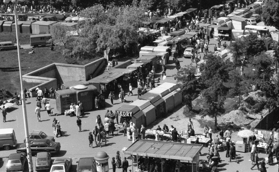 Bazar przed PKiN