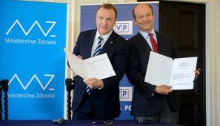 Prezes TVP Jacek Kurski i minister zdrowia Konstanty Radziwiłł