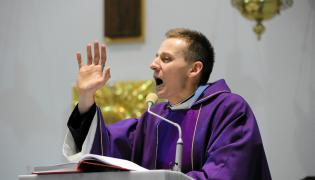 Jacek Międlar, jeszcze jako ksiądz