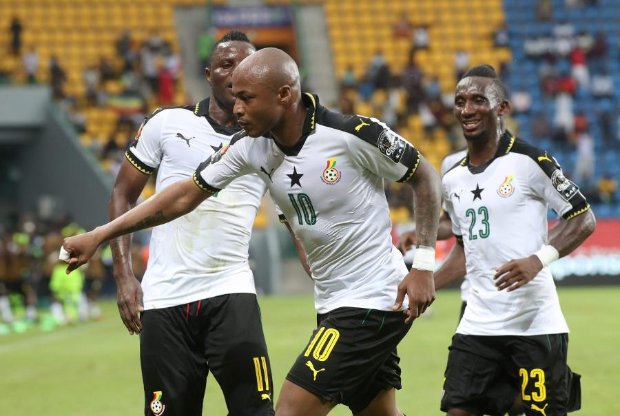 Piłkarze reprezentacji Ghany: Andre Ayew of Ghana, Wakaso Muburak i Harrison Afful